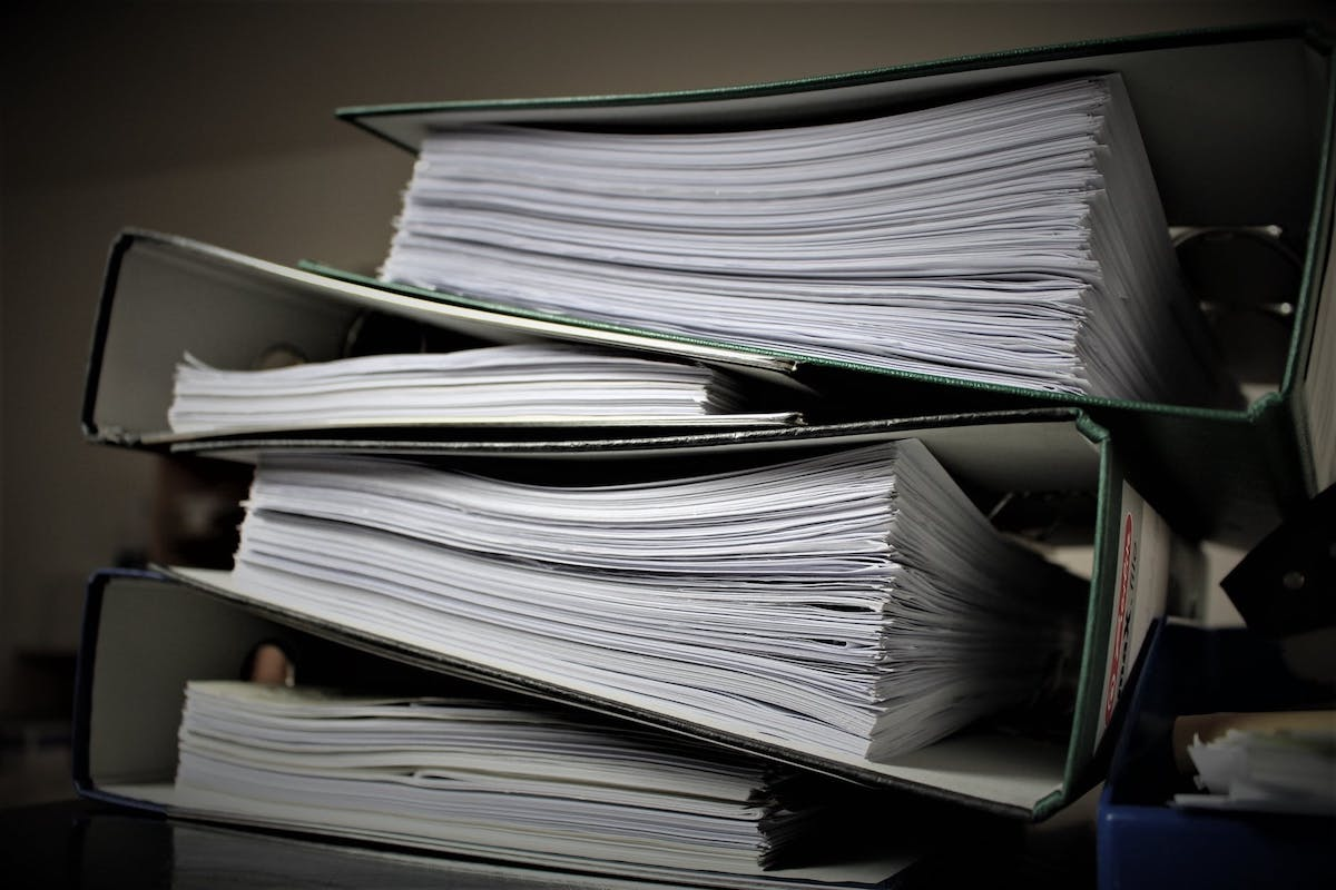 binders containing legal documents for Arizona courts